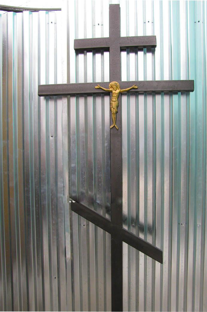 Крест на кладбище своими руками фото
